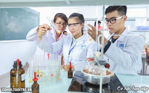 Giảng đường đặc biệt của sinh viên ngành dược HUTECH