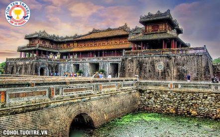 Tour du lịch miền Trung - viếng mộ Tướng Giáp