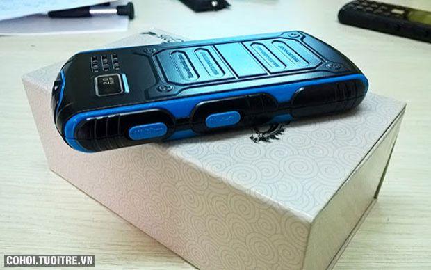 Điện thoại sử dụng pin đến 20 ngày kiêm sạc dự phòng