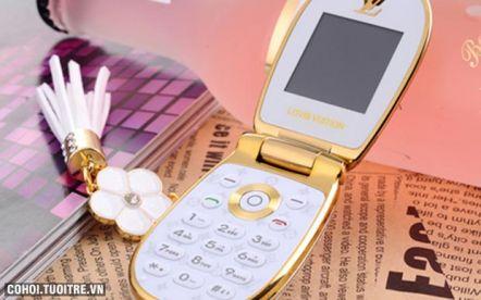 Điện thoại Louis Vuitton LV-M9 bật nắp dành cho phái đẹp