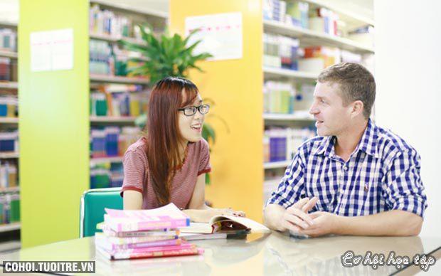 Phong phú, đa dạng chương trình tiếng Anh tại UEF