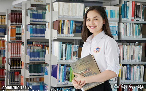 Hơn 19.000 học sinh tham gia SIU BOOKIES 2016