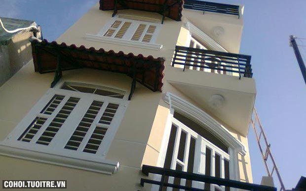 Bán nhà đúc 96 m2 gồm 1 trệt, 2 lầu ở Q.4, TP.HCM