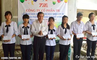 TIE trao học bổng tiếp sức đến trường tại Cần Giờ