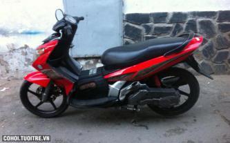 Xe Yamaha Nouvo 3, màu đỏ, biển số thành phố