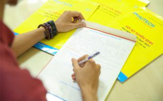 'Vé cuối' vào đại học - phương thức xét tuyển học bạ đến 30-9 'hút' thí sinh