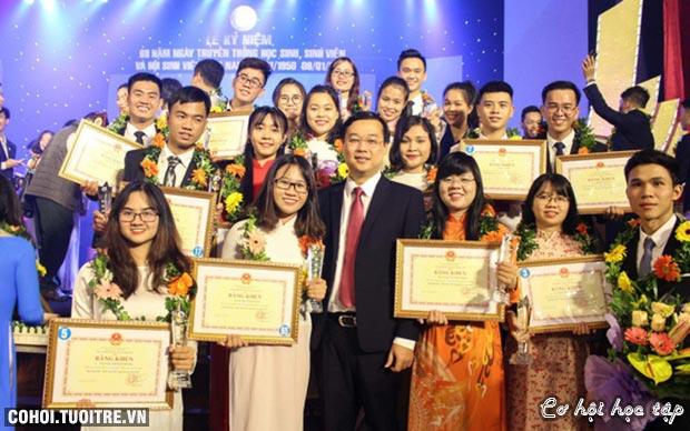 2018 - năm rực rỡ của sinh viên HUTECH