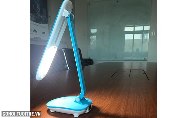 Đèn bàn học chống cận, đèn bàn LED Comet CT172B