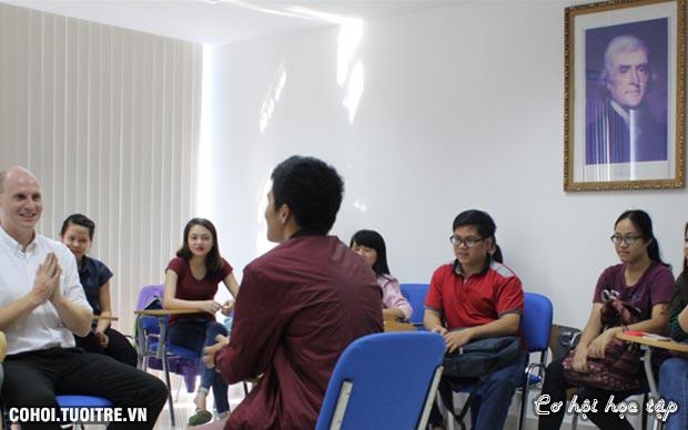 Hỗ trợ 100% sinh viên học miễn phí tiếng Anh và tin học
