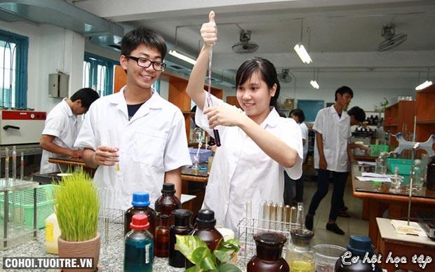 Ngành Dược học (khóa 1) Trường ĐH Văn Lang thu hút SV