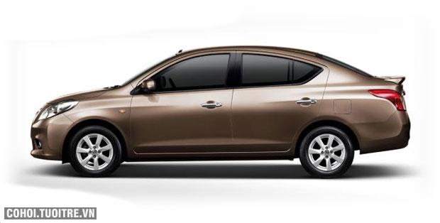 Xe Sedan Nissan Sunny XV chính hãng khuyến mại lớn