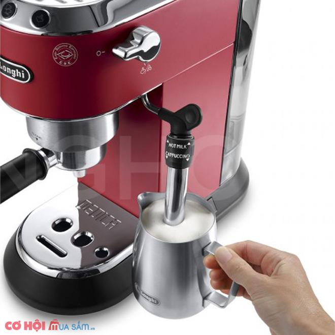 Máy pha cà phê DeLonghi EC685.R