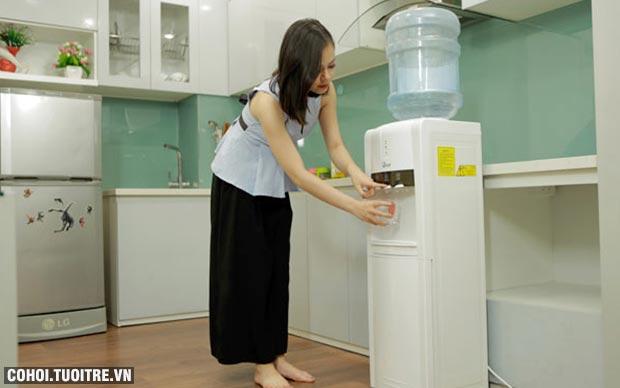 Cây nước nóng lạnh 3 vòi FujiE WD1800E