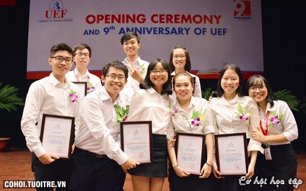 UEF trao tặng 23 tỷ đồng học bổng cho sinh viên